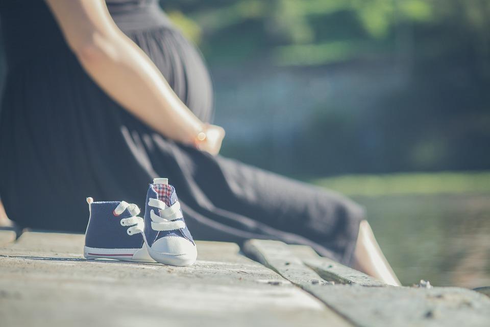 hogyan lehet egy terhes nő visszeres lábával bekötözni