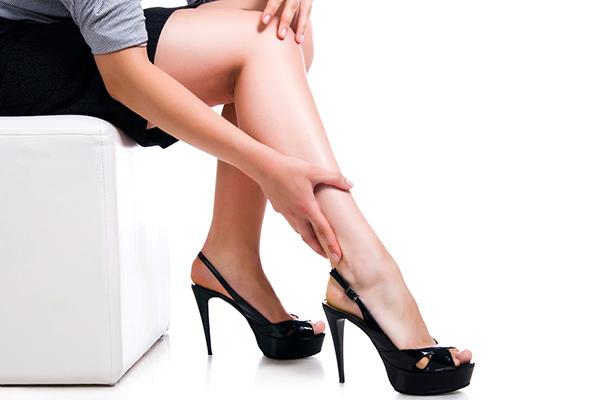 a lábak elkékülnek a visszérektől szerek visszér-ár