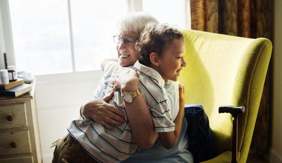 Unokának, nagymamának segít a katéteres visszérműtét